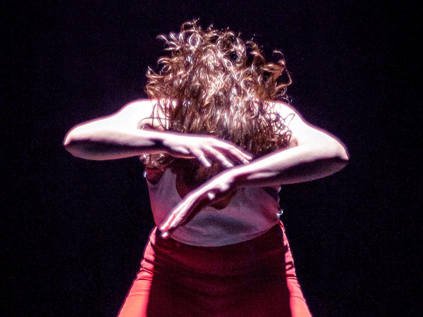 Shudder - Atomic 3001    Danse