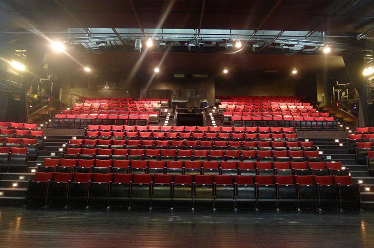 Grande Salle ↑・Studio ↓・Foyer & Hall ↘︎